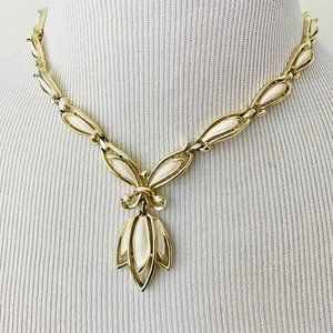 Vintage Sarah Coventry Off-White and Gold Necklace